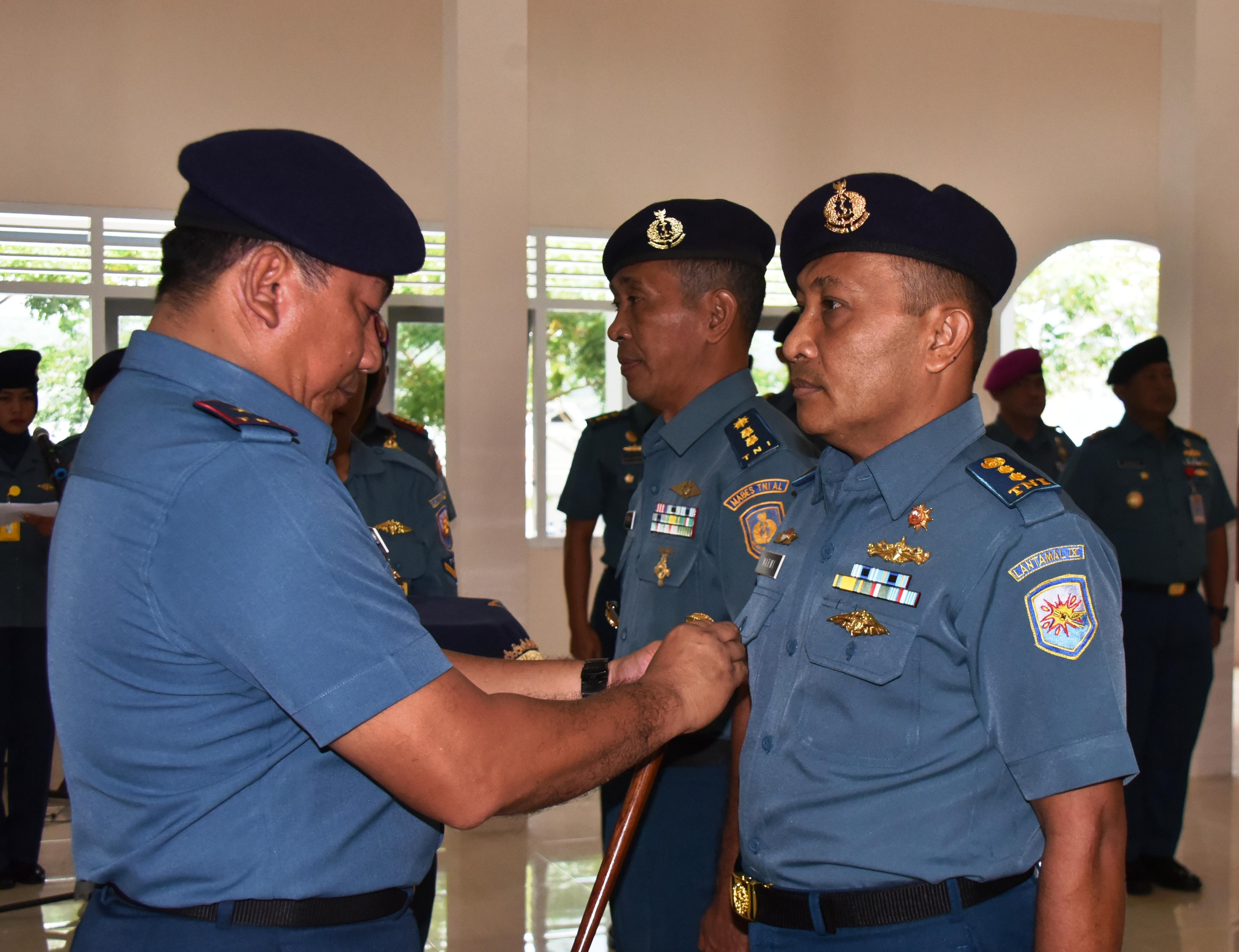 Danlantamal Kukuhkan Dua Pejabat Lantamal Ambon