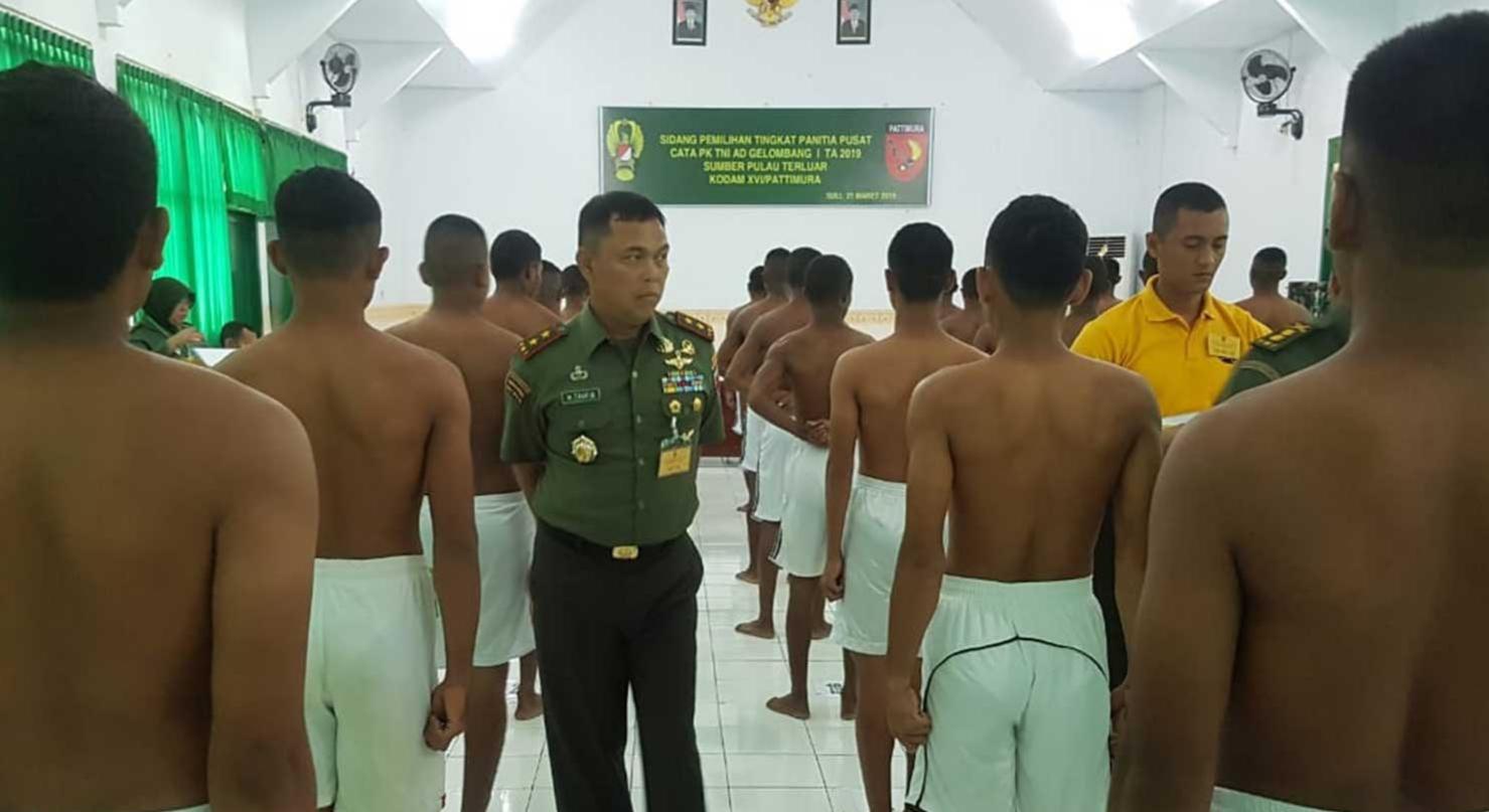Pangdam XVI/Pattimura Pimpin Sidang Calon Tamtama PK TNI AD Pulau Terluar