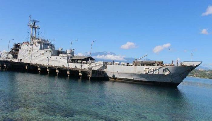 KRI Teluk Cendrawasih-533 Disiagakan di Saumlaki