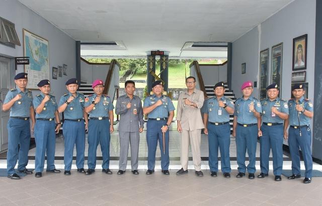 Staf Menkopolhukam Kunjungi Lantamal Ambon
