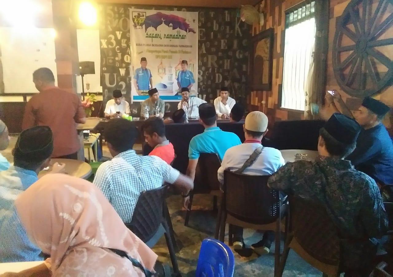 Diskusi Peran Pemuda Awali Buka Puasa Bersama KNPI SBT