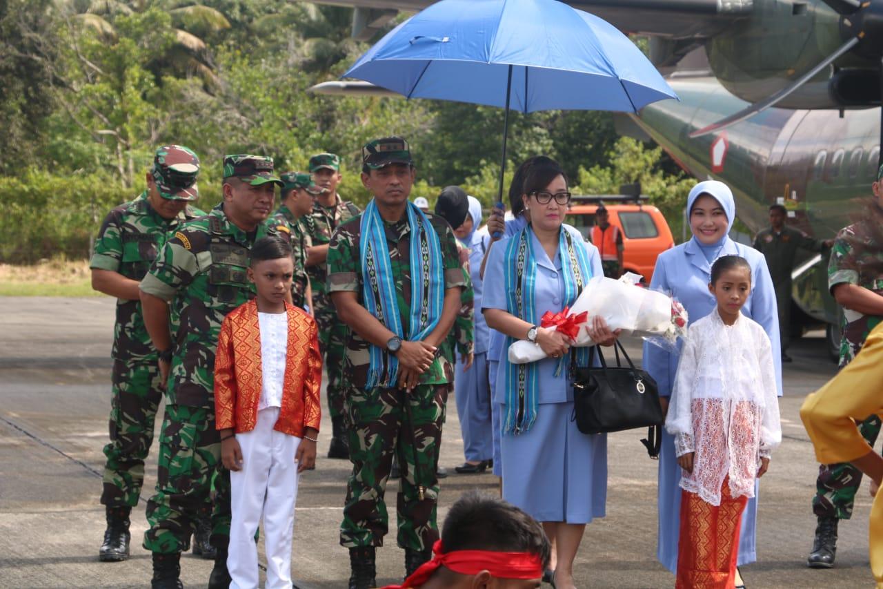 Pangkoopsau III Kunjungi Lanud Pattimura