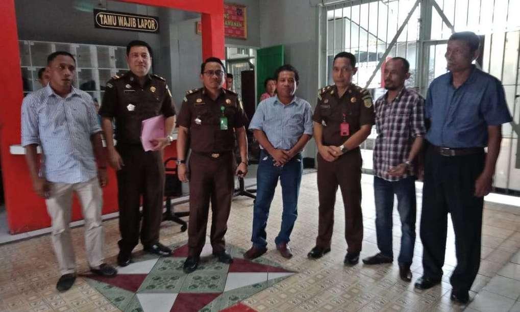 Dugaan Korupsi WFC Namlea, Jaksa Tahan Adik Bupati Buru di Rutan