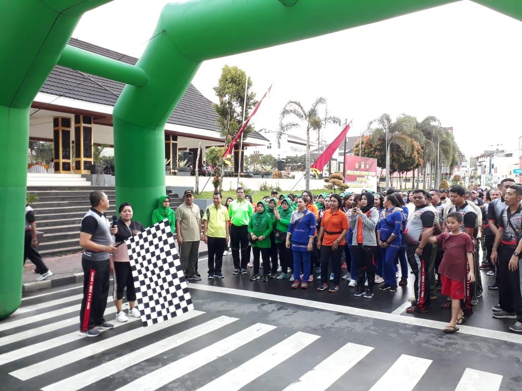 Jelang Hari Bhayangkara, Polres Ambon Gelar Olahraga Bersama