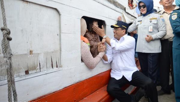 Menhub Kirim Tim Khusus Awasi Keselamatan Pelayaran di Ambon