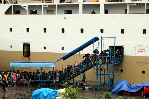 Ribuan Pemudik ke Maluku Utara Padati KM Dorolonda