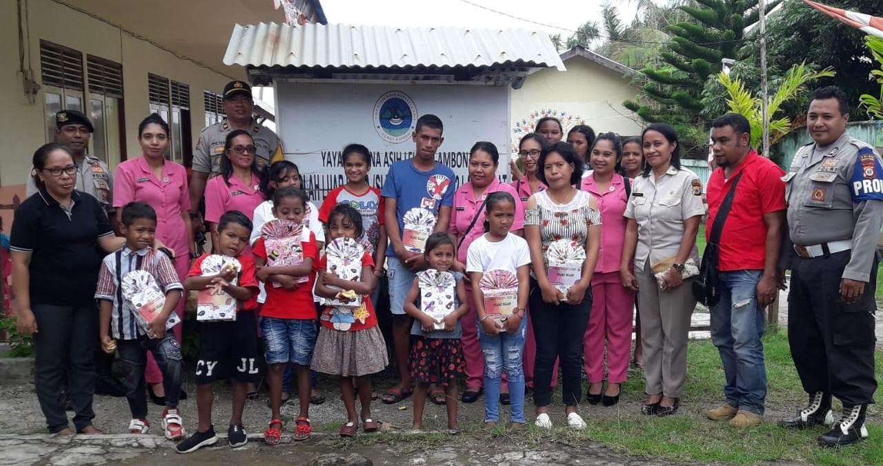 Jelang Hari Bhayangkara, Polsek Nusaniwe Berbagi Tali Asih