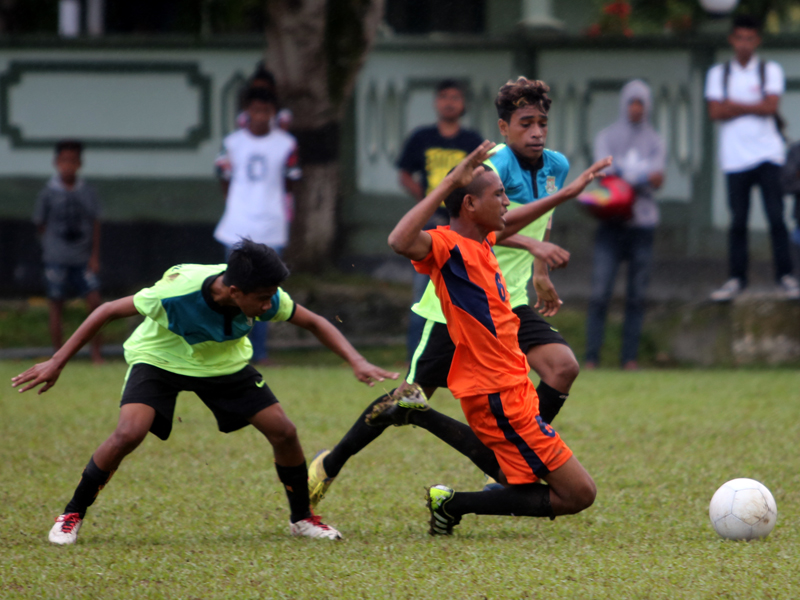 Menang Adu Pinalti 9 – 8 Atas PS Louruhu, Samasuru FC Melaju ke Seri Provinsi Maluku