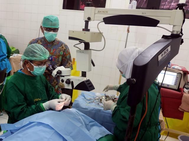 100 Pasien Ikut Operasi Katarak Gratis di Ambon