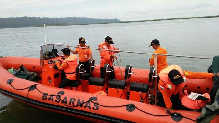 Selasa Pagi, Tim SAR akan Cari Penumpang KM Tidar yang Jatuh ke Laut