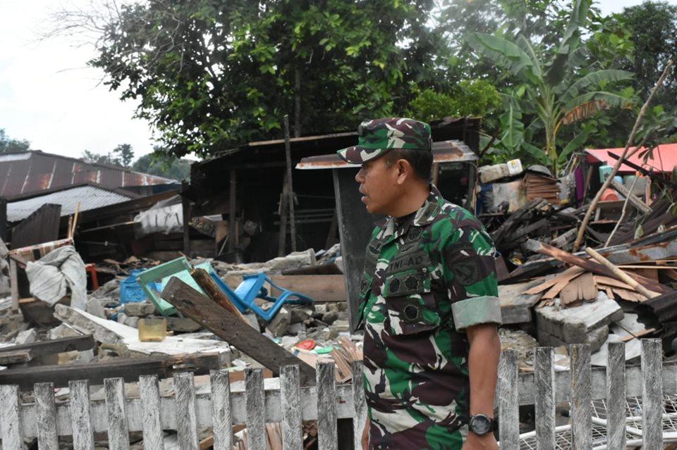 Kasdam Pattimura Tinjau Lokasi Pengungsian di Halmahera