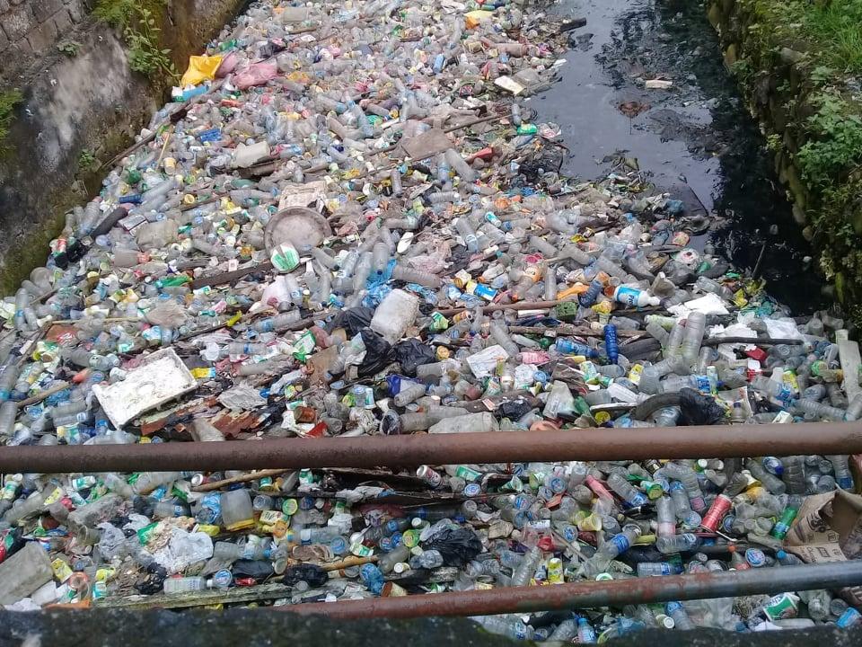 Musim Hujan, Saluran Air di Passo Dipenuhi Sampah