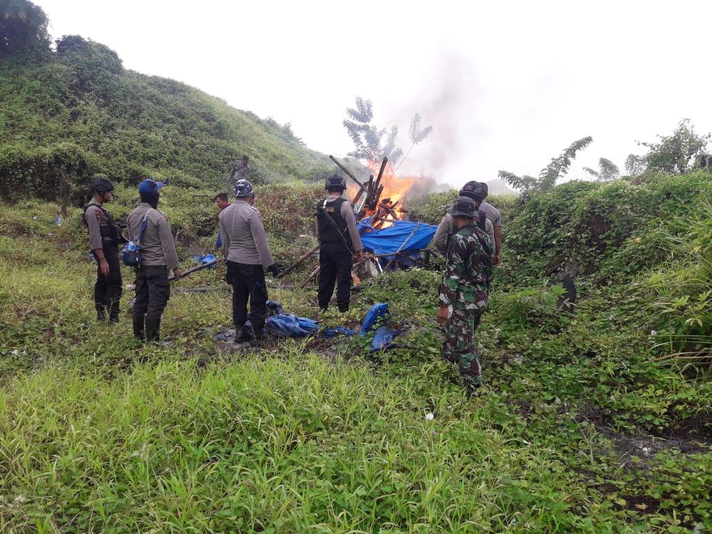 Sisir Gunung Botak, Polisi Ciduk 3 Penambang Ilegal