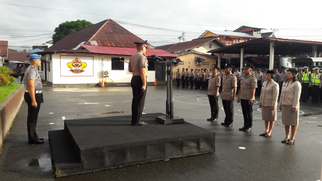 64 Personel Polres Ambon Naik Pangkat