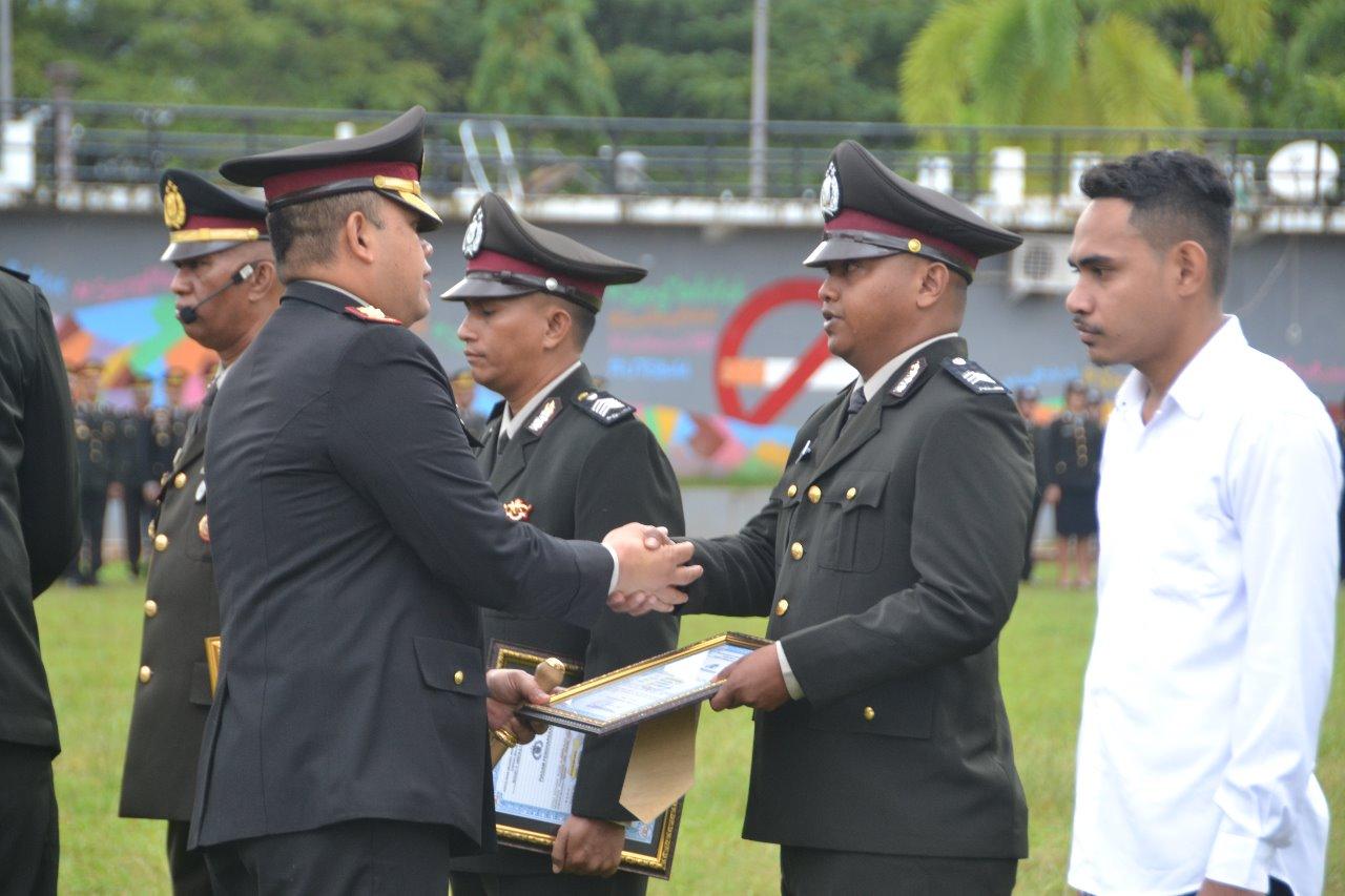 Hari Bhayangkara di Polres Ambon, Sejumlah Personel Peroleh Penghargaan