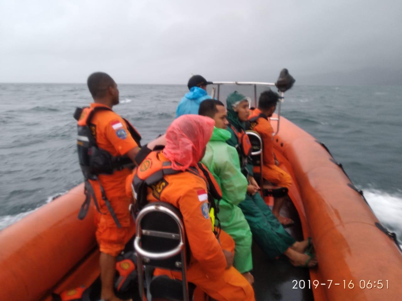 Tim SAR Mulai Cari Penumpang KM Tidar Yang Jatuh di Laut