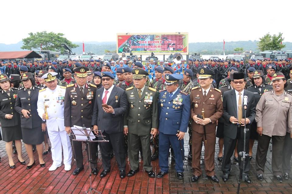 Saat Lagu Mars TNI Berkumandang di Peringatan Hari Bhayangkara