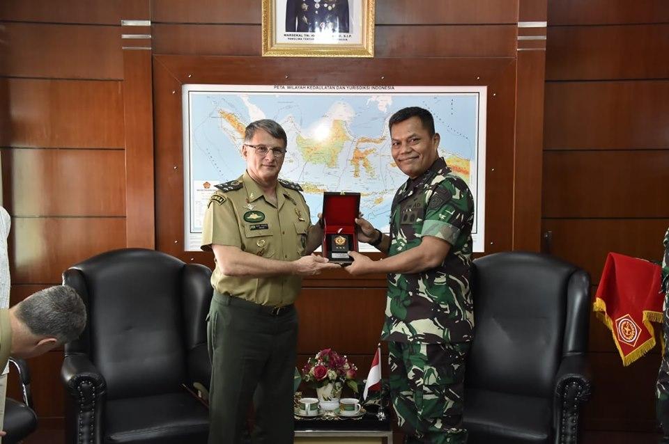 Kunjungan Kasad Brasil ke Mabes TNI