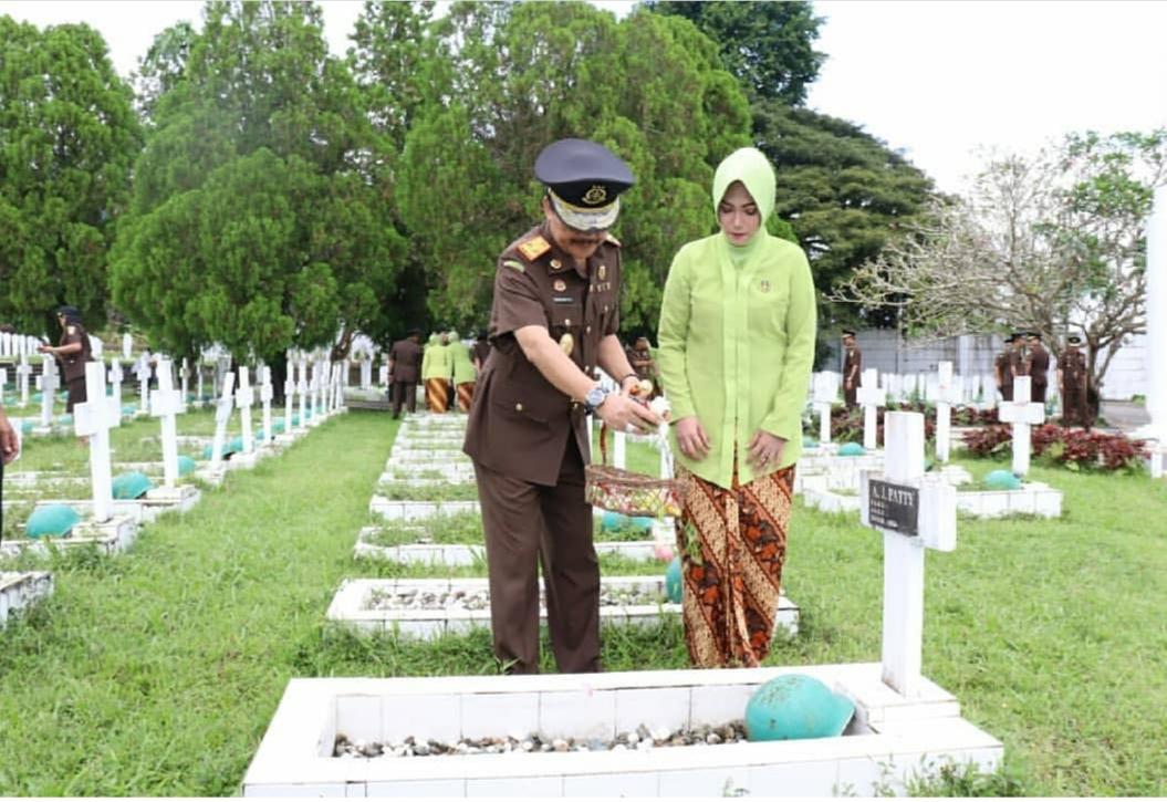 Peringati HBA ke-59, Kejati Maluku Ziarah ke TMP Kapahaha
