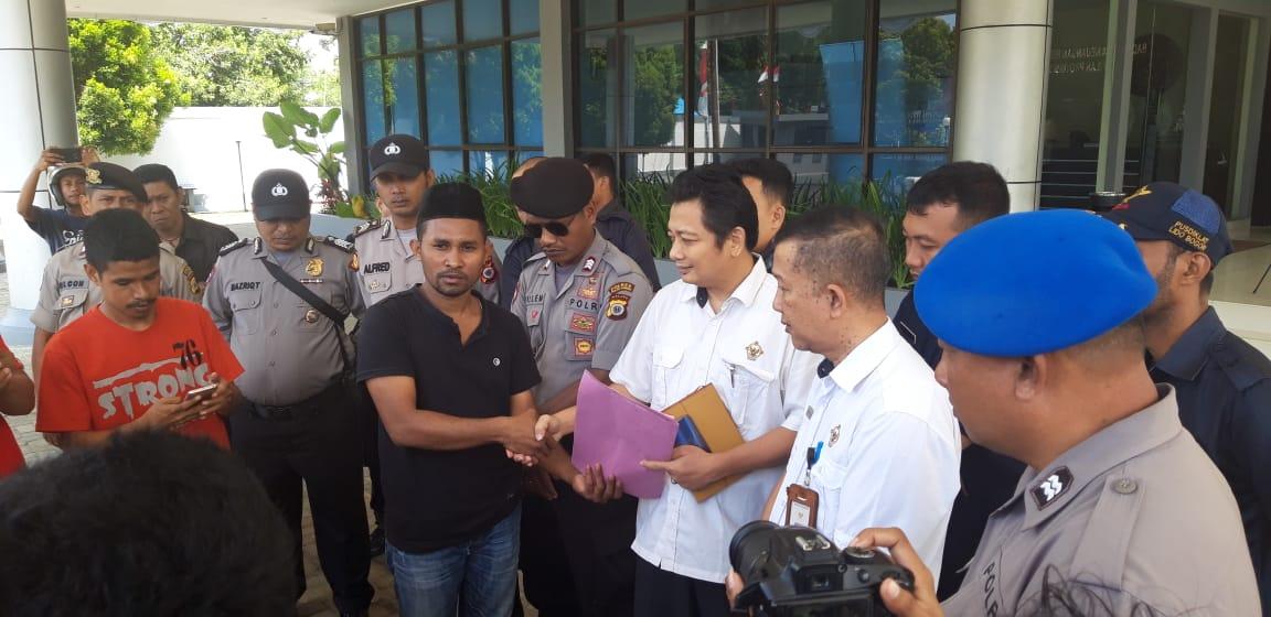 Gerakan Masyarakat Pencegahan Korupsi Maluku Demo BPK