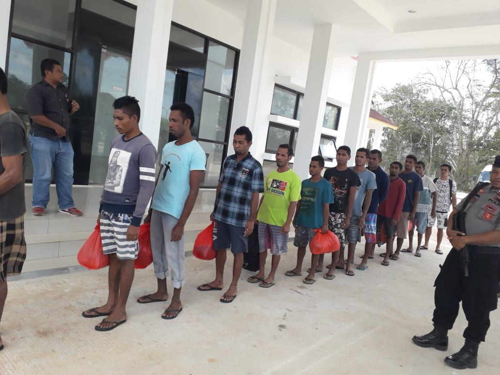Polisi Segera Serahkan 12 Tersangka Pencurian Hasil Laut ke Jaksa