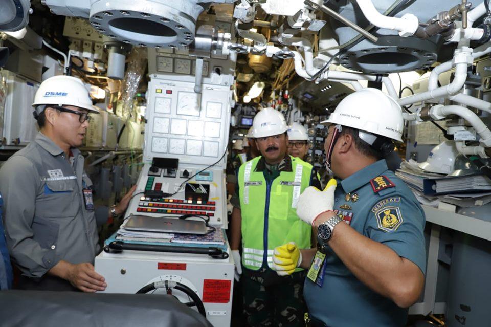 Panglima TNI Tinjau Fasilitas Kapal Selam PT PAL