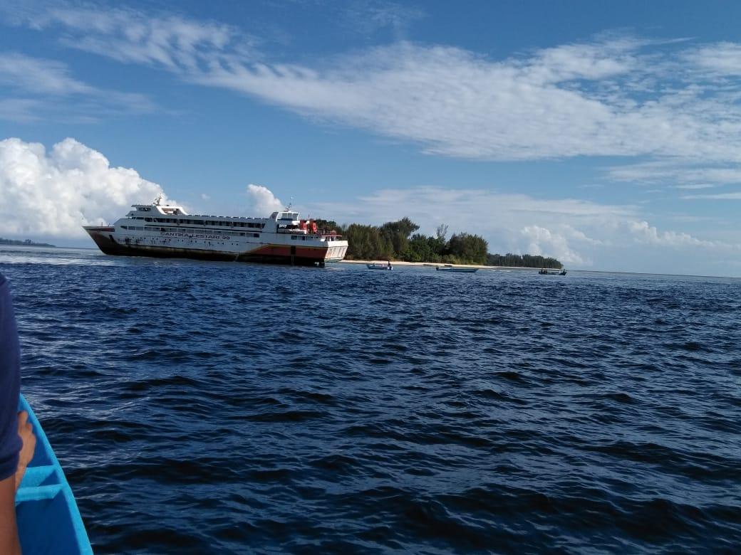 KM Cantika Lestari 99 Kandas di Pulau Tujuh