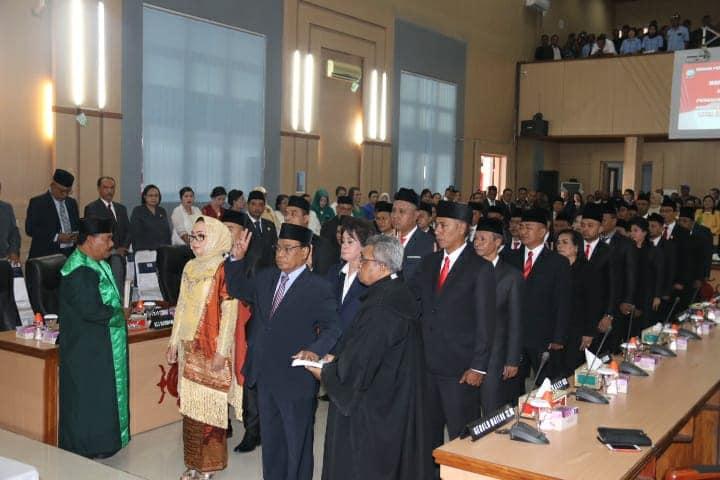 Pengucapan Sumpah Anggota DPRD Kota Ambon