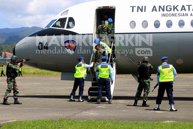 Sukhoi Paksa Pesawat Asing Mendarat di Lanud Pattimura