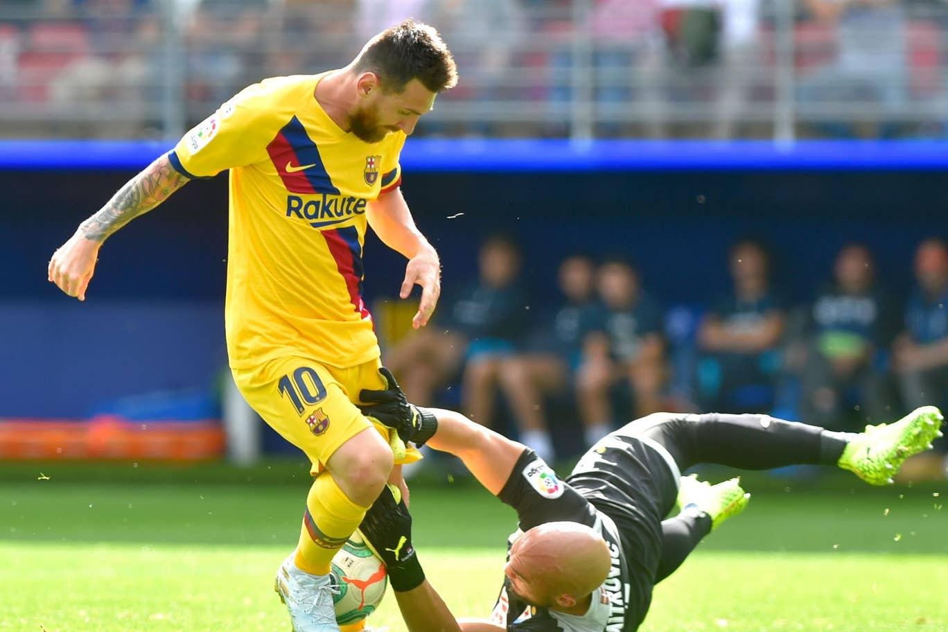 Gasak Eibar, Barcelona Depak Madrid dari Puncak Klasemen Liga Spanyol