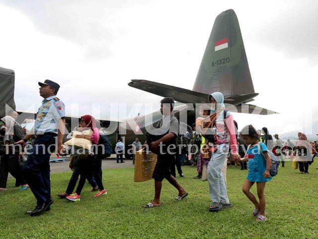 Ratusan Pengungsi Eksodus dari Wamena Transit di Ambon, Sebagian Bermalam