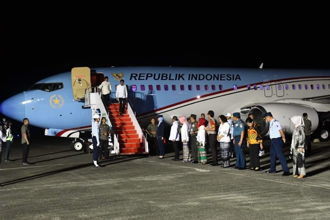 Presiden Jokowi Tiba di Ambon