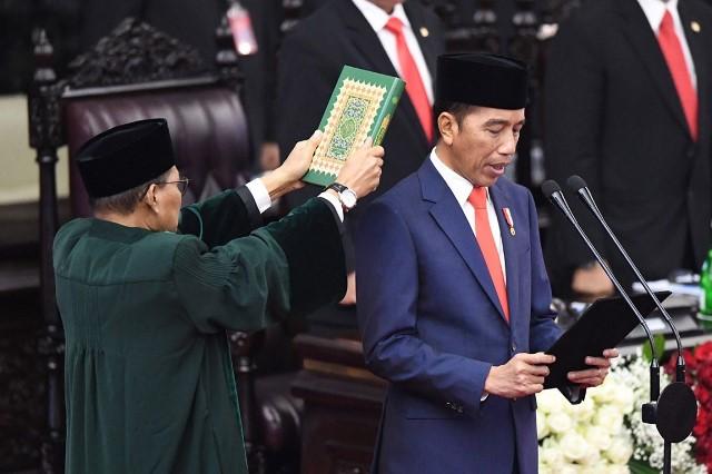 Pidato Perdana, Jokowi Ibaratkan Program Pemerintah Bagai Pesan WA