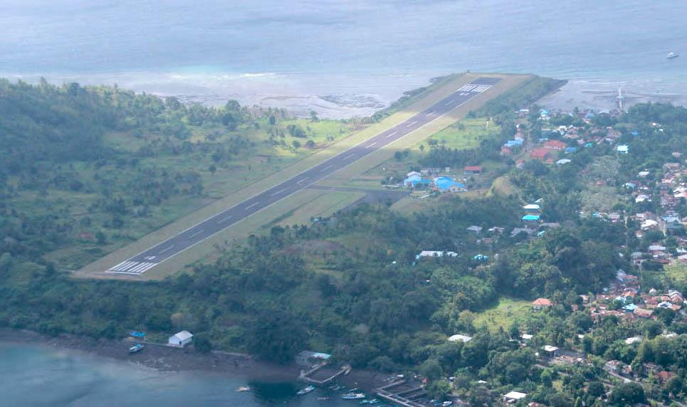 Menhub: 'Runway' Bandara Banda Naira Akan Diperpanjang