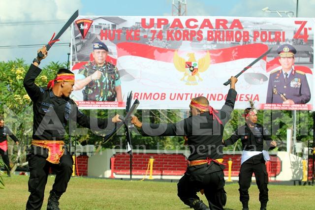 Tarian Kolosal Warnai Peringatan HUT ke-74 Brimob di Ambon