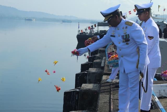 Wagub Maluku Pimpin Tabur Bunga Peringati Hari Pahlawan