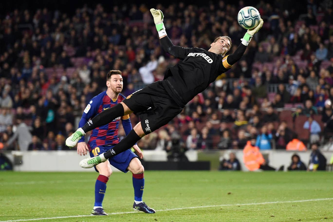 Messi Hat-trick, Barcelona Libas Real Mallorca 5-2