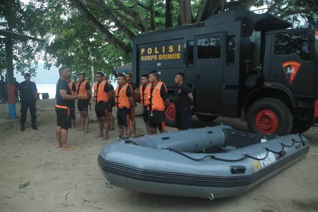 Brimob Polda Maluku Siaga di Kawasan Wisata Bahari