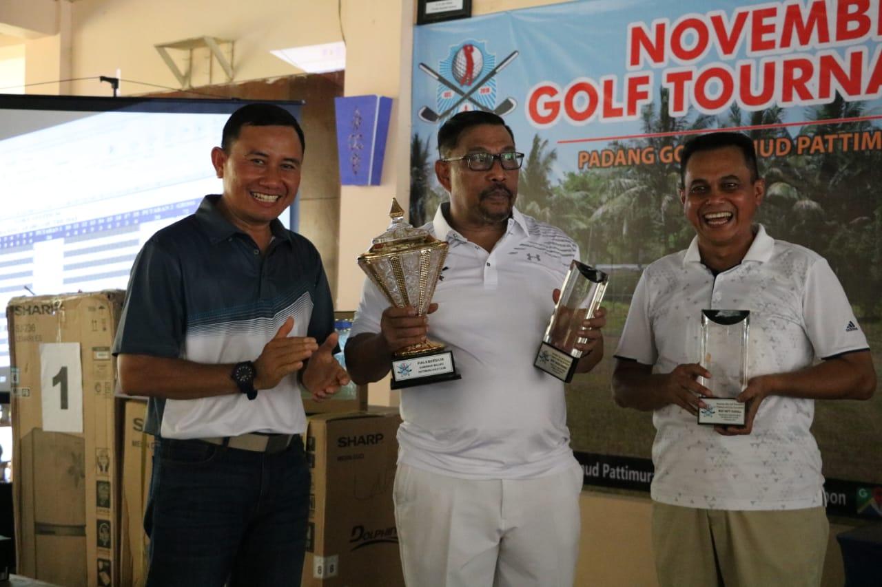 "Gubernur Maluku Juarai ""November Rain Golf Tournament"""