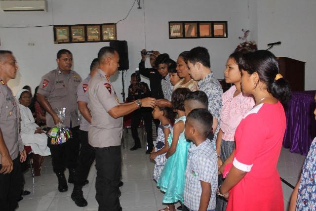 Satbrimob Polda Maluku Gelar Natal Bersama