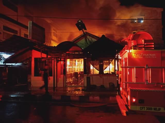 RM Sari Rasa Dilalap Api, Polisi: Api Berawal Dari Kamar Karyawan