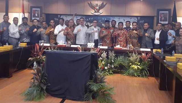 Perjuangkan UU Daerah Kepulauan, Gubernur & DPRD Maluku Temui Menkumham