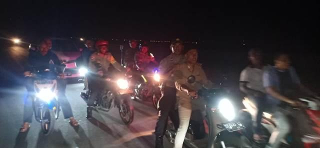 Personel TNI-Polri Patroli Gabungan di Kawasan Ujung Bandara Pattimura