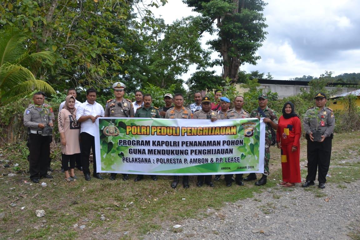 Peduli Lingkungan, Polresta Ambon Gelar Penghijauan di Tulehu