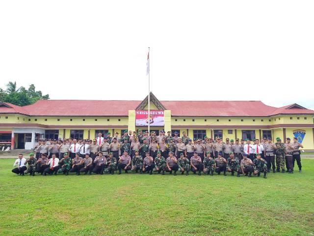 Tingkatkan Sitergitas, Polres SBT Gelar Apel Bersama TNI – Polri