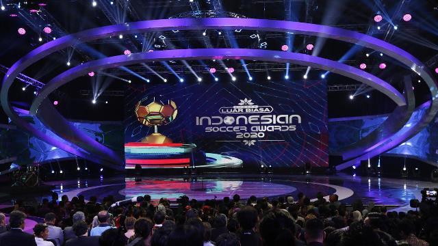 Penghargaan Khusus untuk Alfin Lestaluhu di Ajang Indonesian Soccer Awards