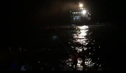 Nyaris Tenggelam, KMP Terubuk Angkut 67 Penumpang, 16 ABK & Puluhan Kendaraan