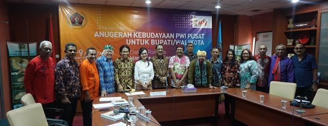 'Ambon Kota Musik' Antar Wali Kota Raih Anugerah Kebudayaan PWI