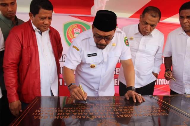 Gubernur Maluku Resmikan Sejumlah Proyek di SBT