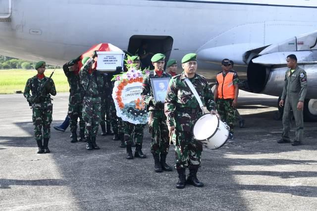 Tiba di Ambon, Jenazah Prajurit Korban Heli akan Dimakamkan Besok